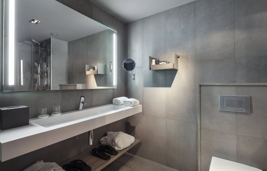 Bathroom Upper Diagonal