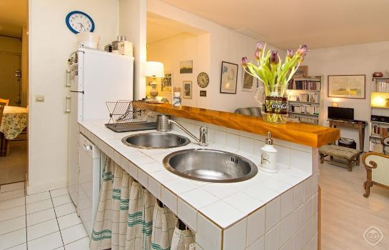 Cucina in camera BP Apartments - Cozy Montmartre