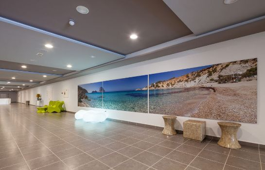 Innenansicht Sundown Ibiza Suites & Spa