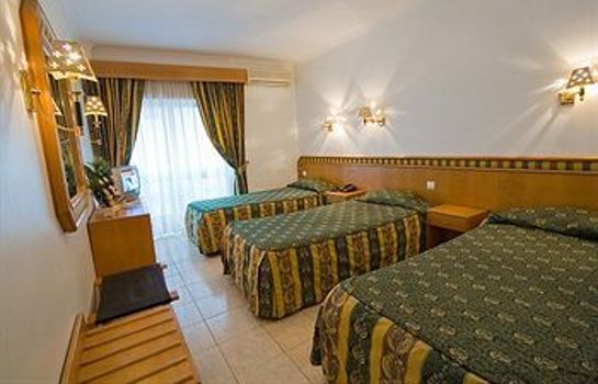 Chambre triple Real Caparica Hotel