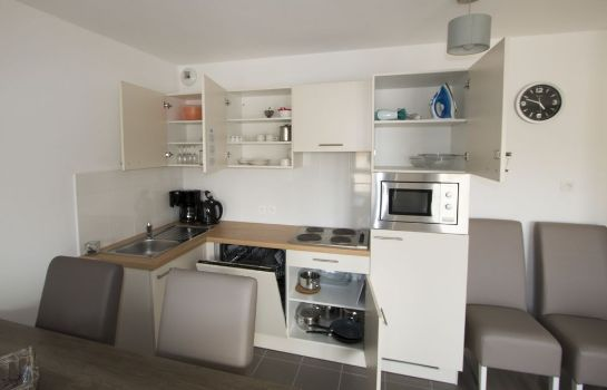 Cucina in camera Holiday Suites Bray-Dunes