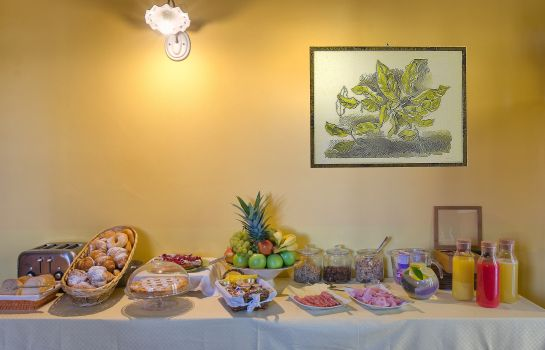 Breakfast buffet Pisa Holidays B&B