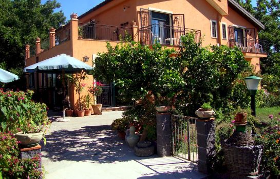 Hotel b b villa maria giovanna in giardini naxos u hotel de