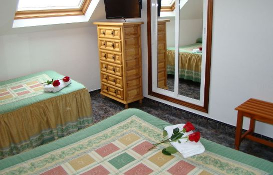 Triple room Hostal San Roque