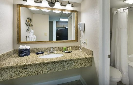 Bagno in camera Sea Crest Oceanfront Resort