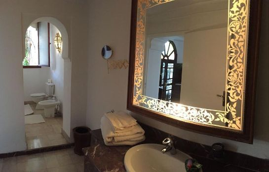 Bathroom Riad Dar El Assafir