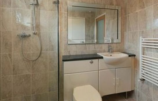 Bathroom The Villa Holiday Cottage Apartment Neston Wirral Cheshire