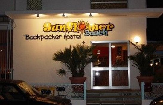 Außenansicht Sunflower Beach Backpacker Hostel