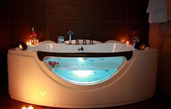 Whirlpool Hotel Colonne