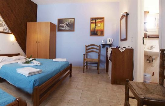 Four-bed room Skala Hotel
