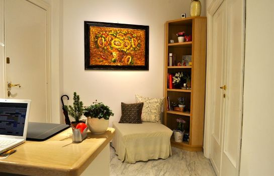 Hall Aurelia 429 Fine Town House