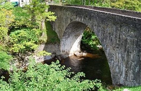 Entorno Bridge of Lochay Hotel