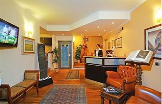 Hotelhalle Aurelia Garden Gold Bed & Breakfast