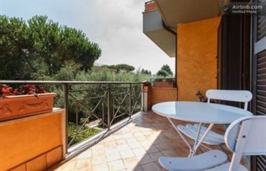 Terrasse Aurelia Garden Gold Bed & Breakfast