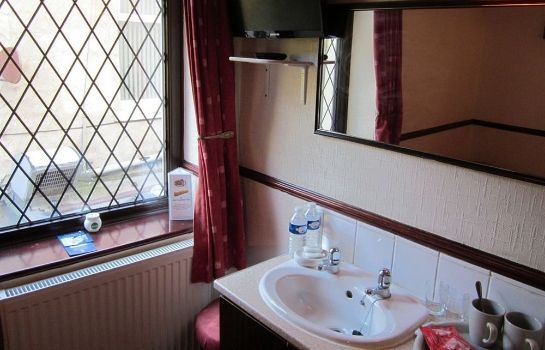 Bathroom Trentham Guest House
