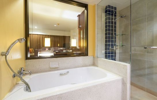 Bathroom The Briza Beach Resort Khaolak