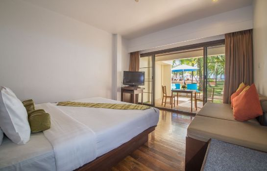 Single room (superior) The Briza Beach Resort Khaolak