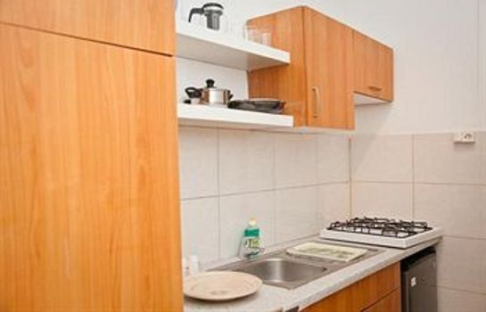 Cucina in camera Shortstay Rotterdam Apartments