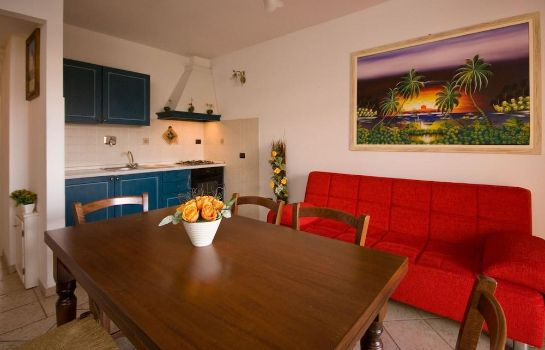 Info Follonica Apartments