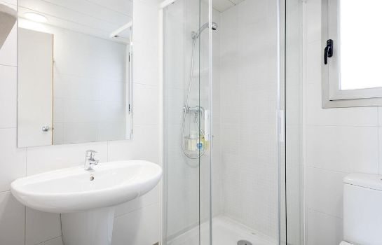Bagno in camera Castellmar Apartments
