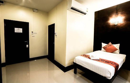 Hotel The Rich House Ban Khlong Haeng Great Prices At Hotel Info