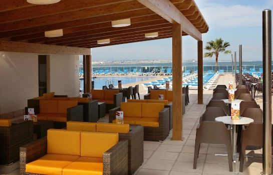 Hotel bar Golden Donaire Beach