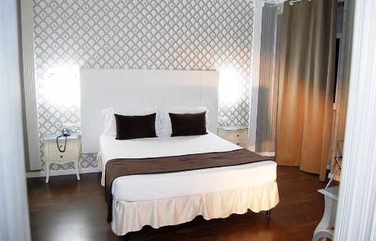 Four-bed room Majestic Luxury Hotel Castro