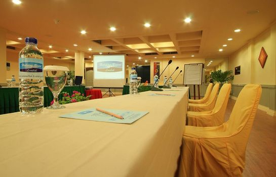 Sala de reuniones Holiday Resort Lombok