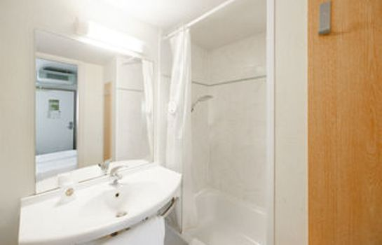Bagno in camera B&B Hotel POITIERS (2)