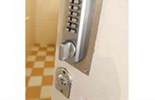 Bathroom Royal Hotel Perth