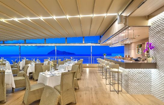 Bar hotelowy Porto Platanias Beach Resort & Spa