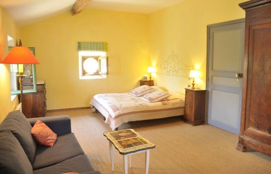 Four-bed room Domaine Grand Guilhem