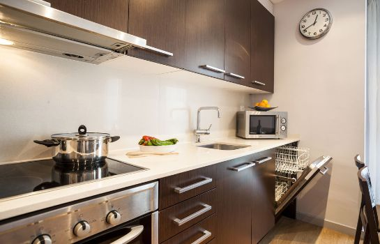 Kitchen in room SSG Camp Nou Apartments