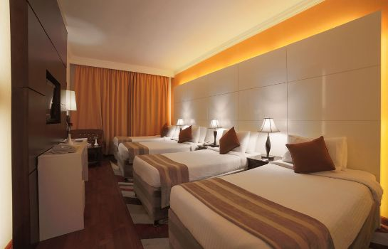 Four-bed room Mobark Plaza Hotel Makkah