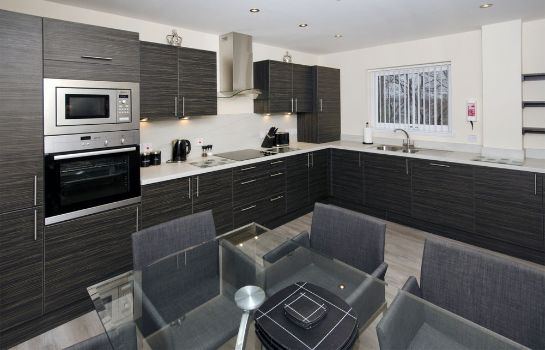 Kitchen in room Oakhill Apartments Aberdeen City Centre - Ruthrieston