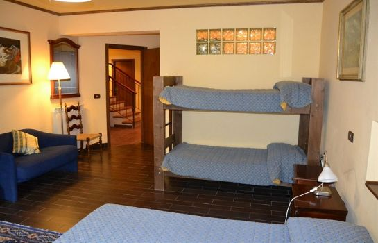 Four-bed room Hotel Valle Dell'Oro