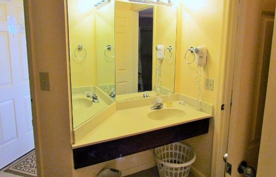 Bagno in camera Ocean Forest Plaza by Palmetto Vacation Rental