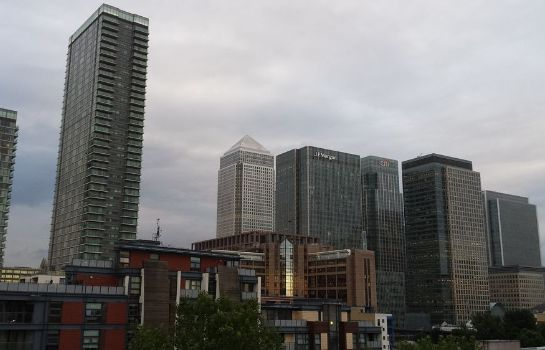 Entorno Canary Wharf Luxury Riverside Apartments