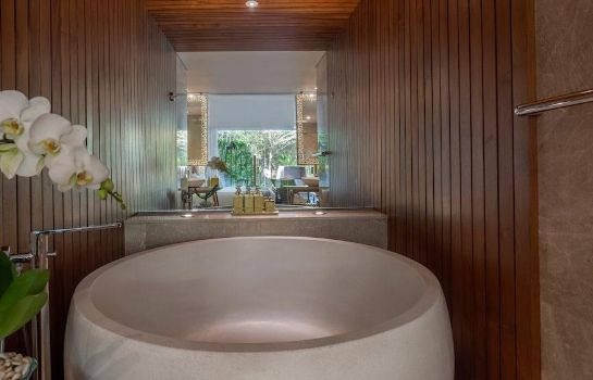 Bathroom Maya Sanur Resort & Spa