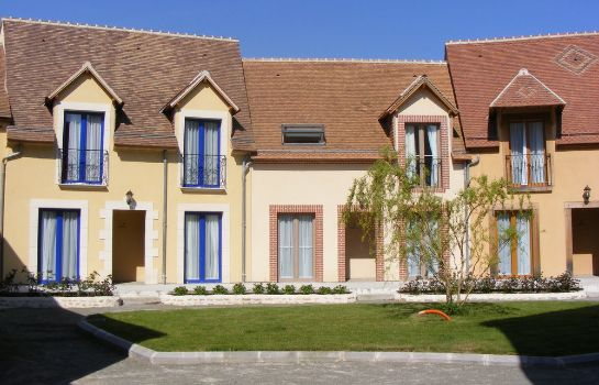 Exterior view Les Belleme Golf Apartments