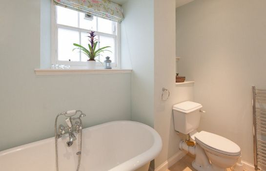 Bathroom Edinburgh Reserve Apartments Stockbridge
