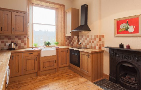 Kitchen in room Edinburgh Reserve Apartments Newington