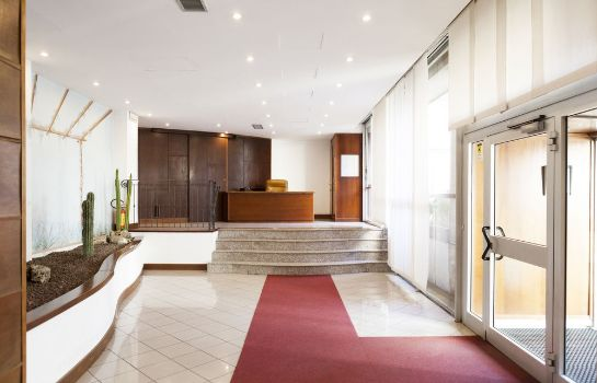 Hotelhalle Heart Milan Apartments - Repubblica