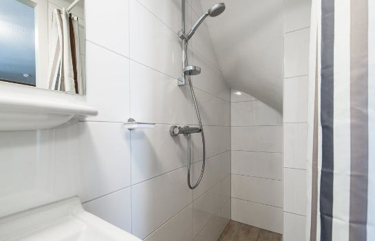 Bagno in camera Allure Garden Apartments