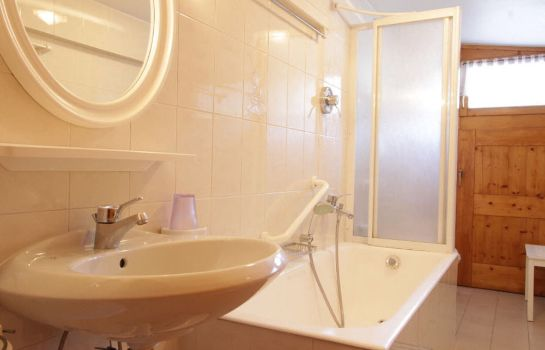 Bagno in camera Chalet Ostaria