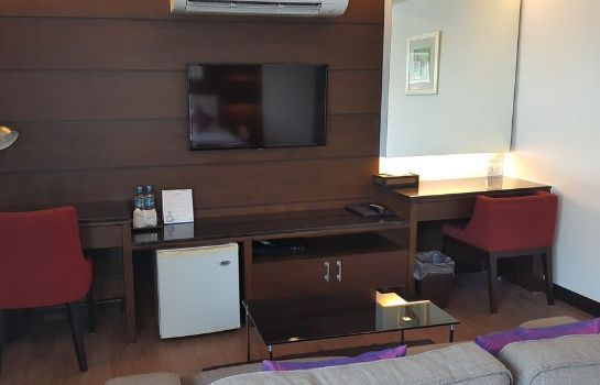 Information Bay Breeze Hotel Pattaya
