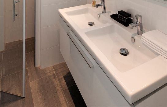 Bagno in camera Cityden Jordan-9 Streets Serviced Apartments