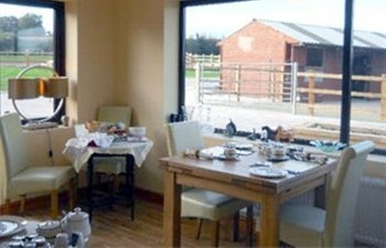 Restauracja Ravencar Farm Bed and Breakfast