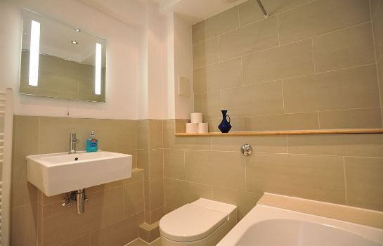 Bagno in camera Chand Apartments