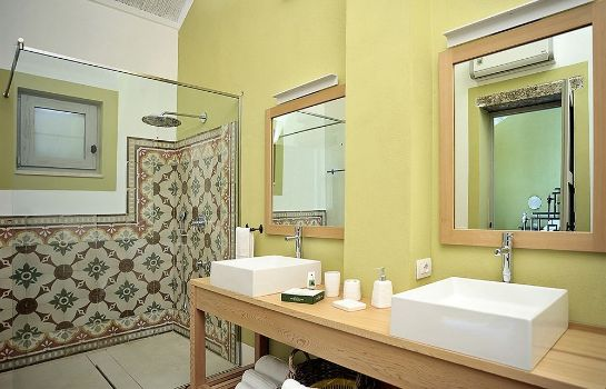Bagno in camera Hotel The Originals Naturalis Bio Resort & Spa (ex Relais du Silence)